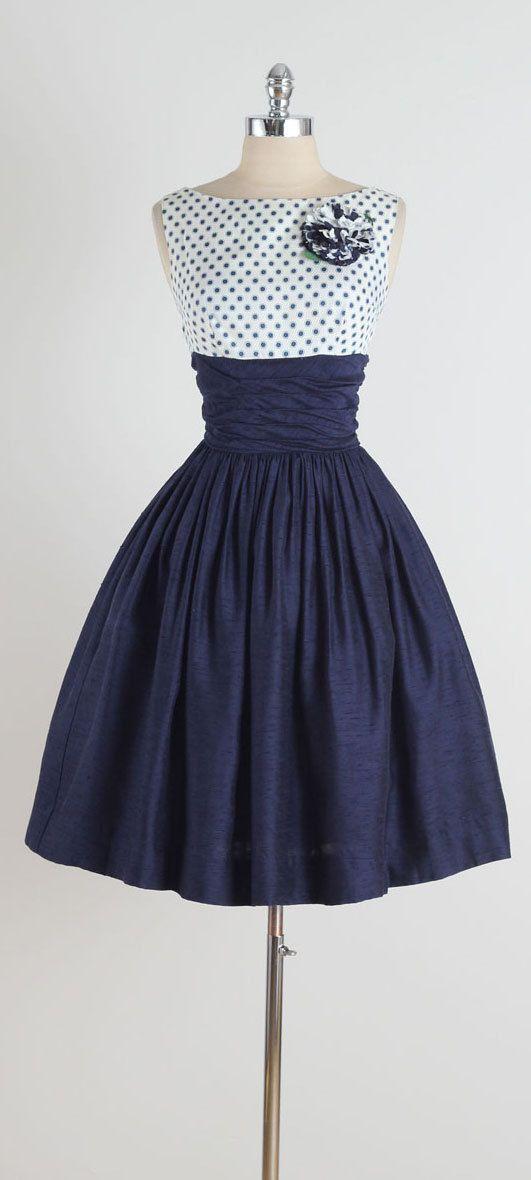 vestidos azul marino y blanco corto