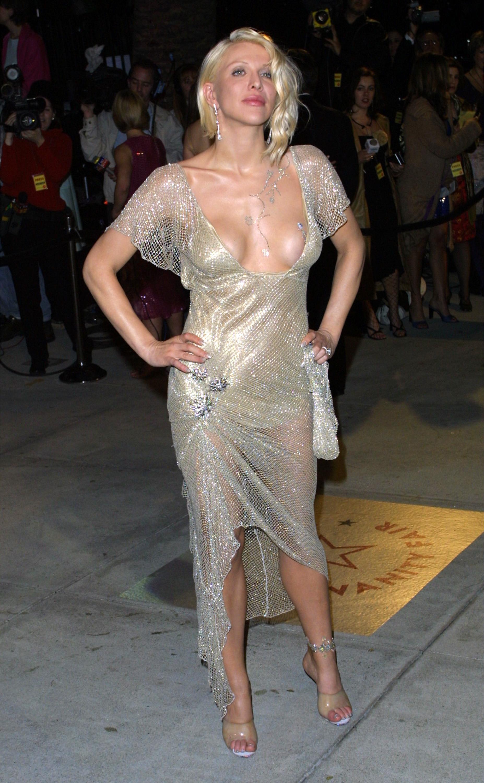 Fotos de vestidos de fiesta feos for Mas alfombrar