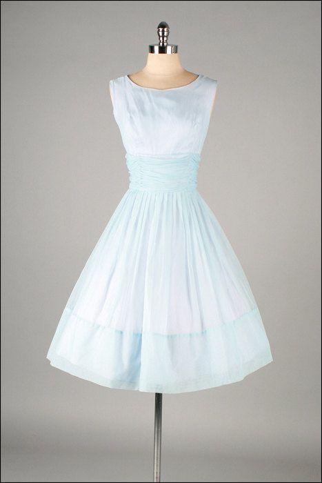 Vestido vintage con forma de glam
