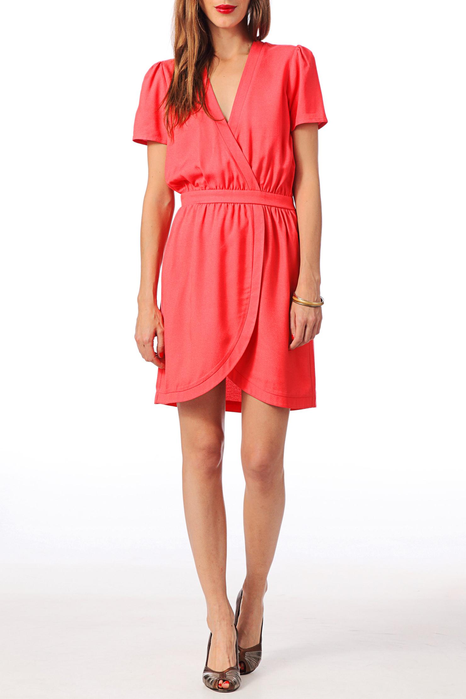 Vestidos color coral: gran tendencia para este verano | Vestidos Glam