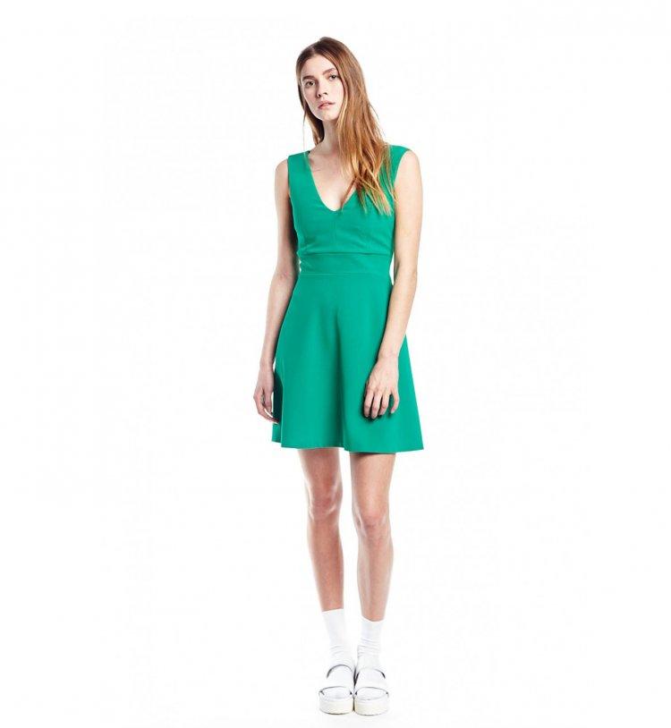vestidos-perfectos-para-chicas-con-caderas-anchas-tendencia-2015