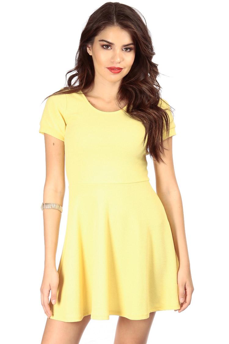 vestidos-amarillos-simples-03