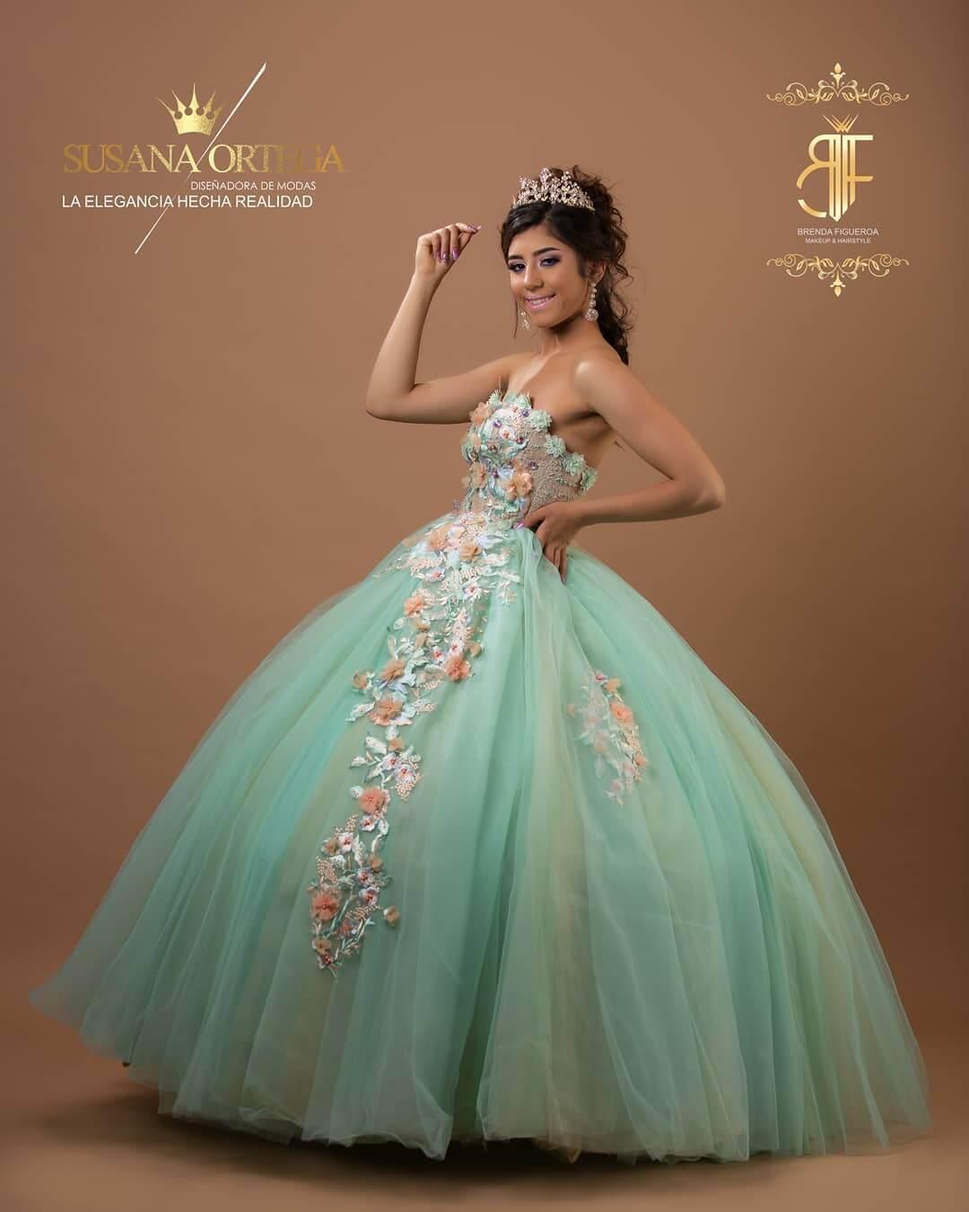 vestidos de quince corte princesa verde agua con flores