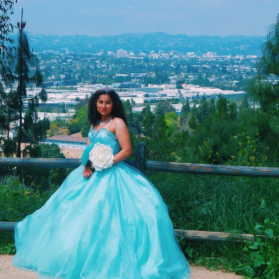 vestidos para 15 anos corte princesa turquesa