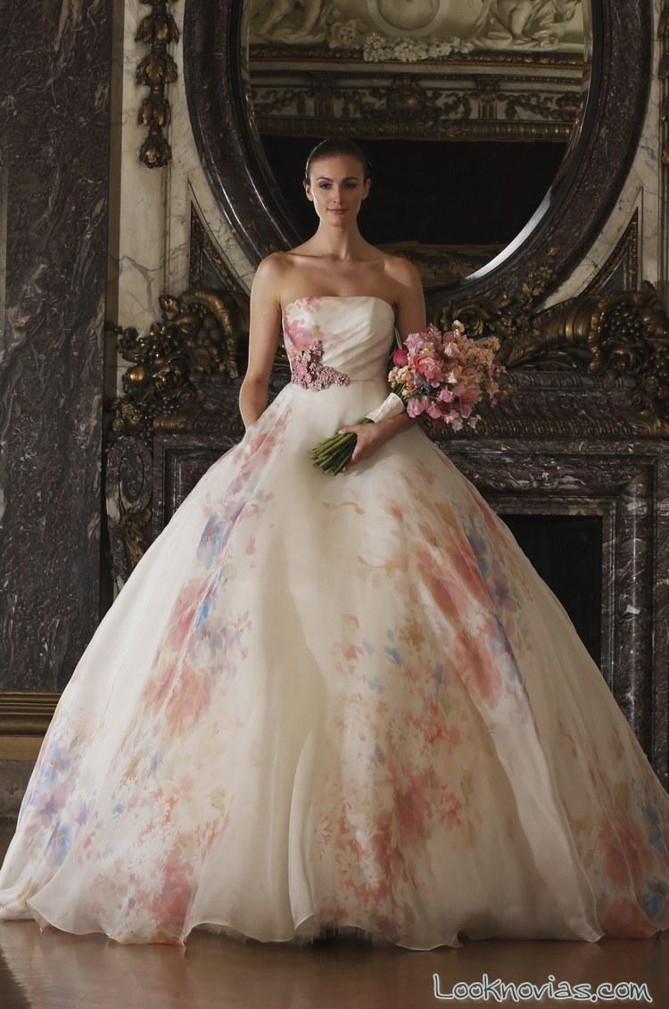 vestido-con-flores-para-novias