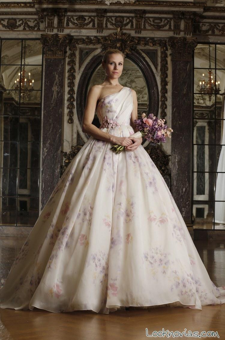 vestidos-romona-keveza-con-pinceladas-de-color
