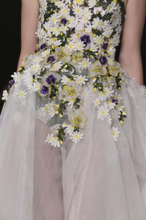 vestidos_de_novia_con_flores_angelina_jolie_y_poppy_delevingne_687003600_800x