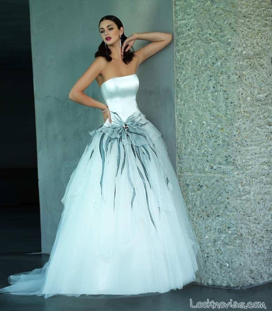 ENTRE GUSTOS Y COLORES! Vestidos de novia • VzlaToday