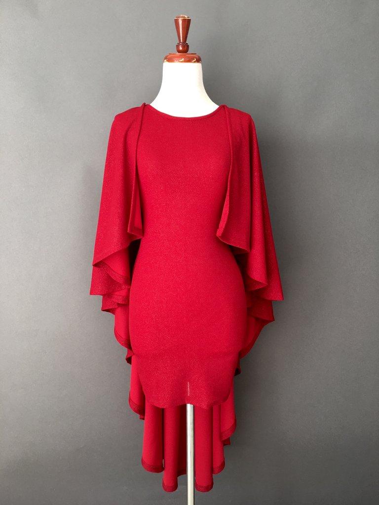Vestido corto con capa 5