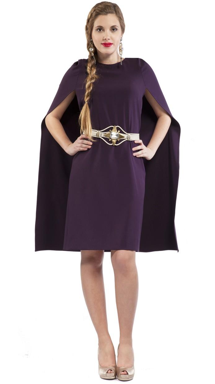 Vestido corto con capa 11