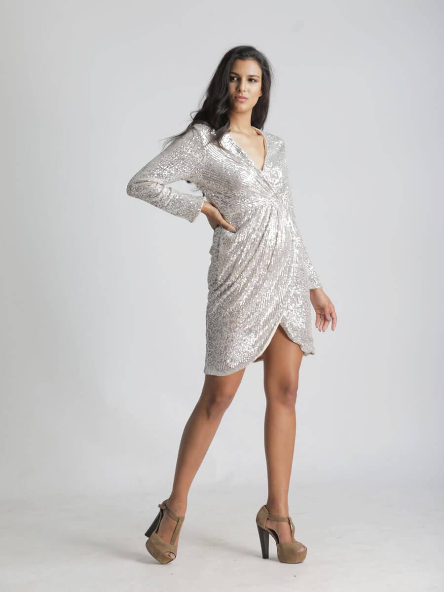 Vestidos Plateados Cortos Brillantes embarazadas