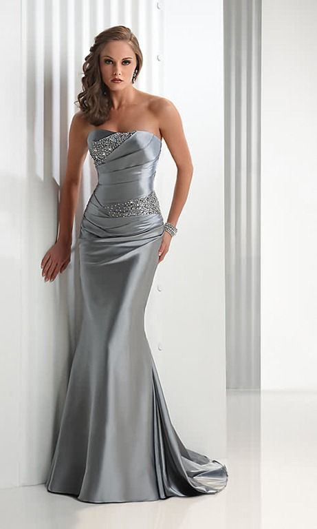 vestido plateado largo ajustado