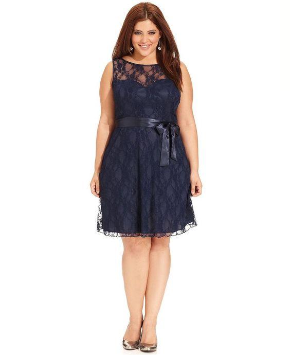 6500b24fe64 Los vestidos cortos: es mejor que prefieras vestidos largos al menos hasta  la rodilla para dar la ilusión de tener piernas más largas. Aunque hay  gorditas ...