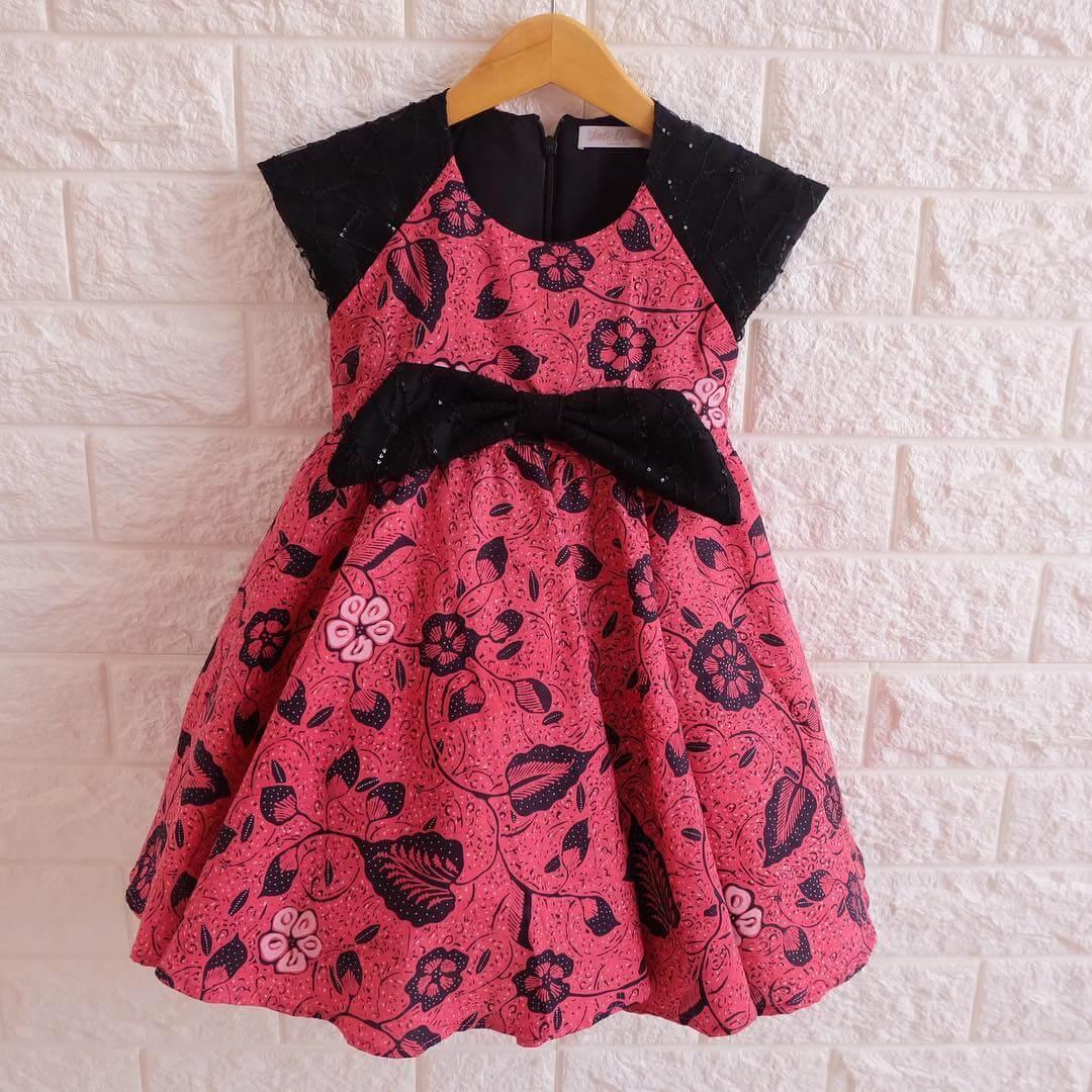 vestido de navidad para niña  en negro y rojo