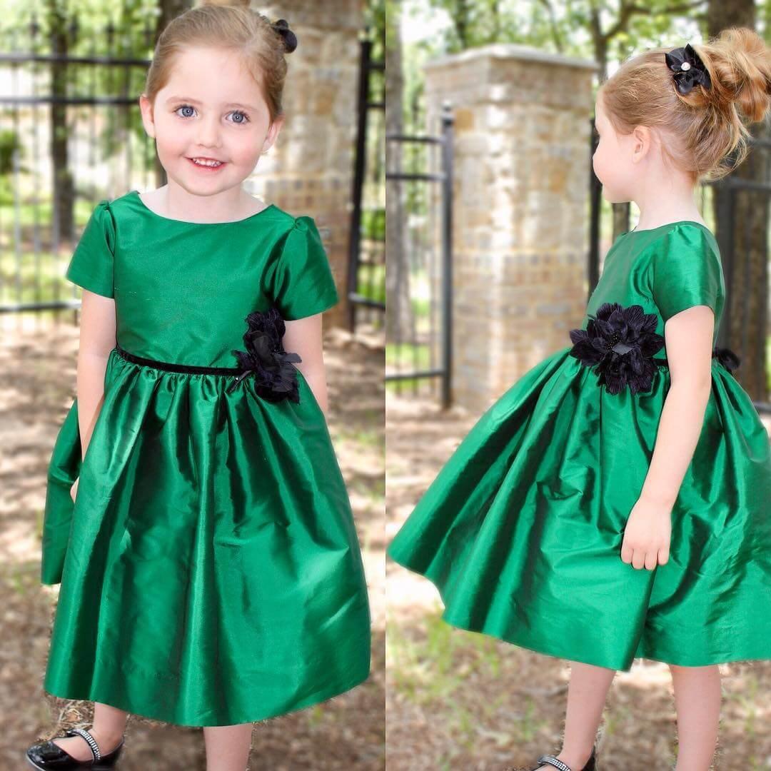 vestido de niña  para navidad en verde