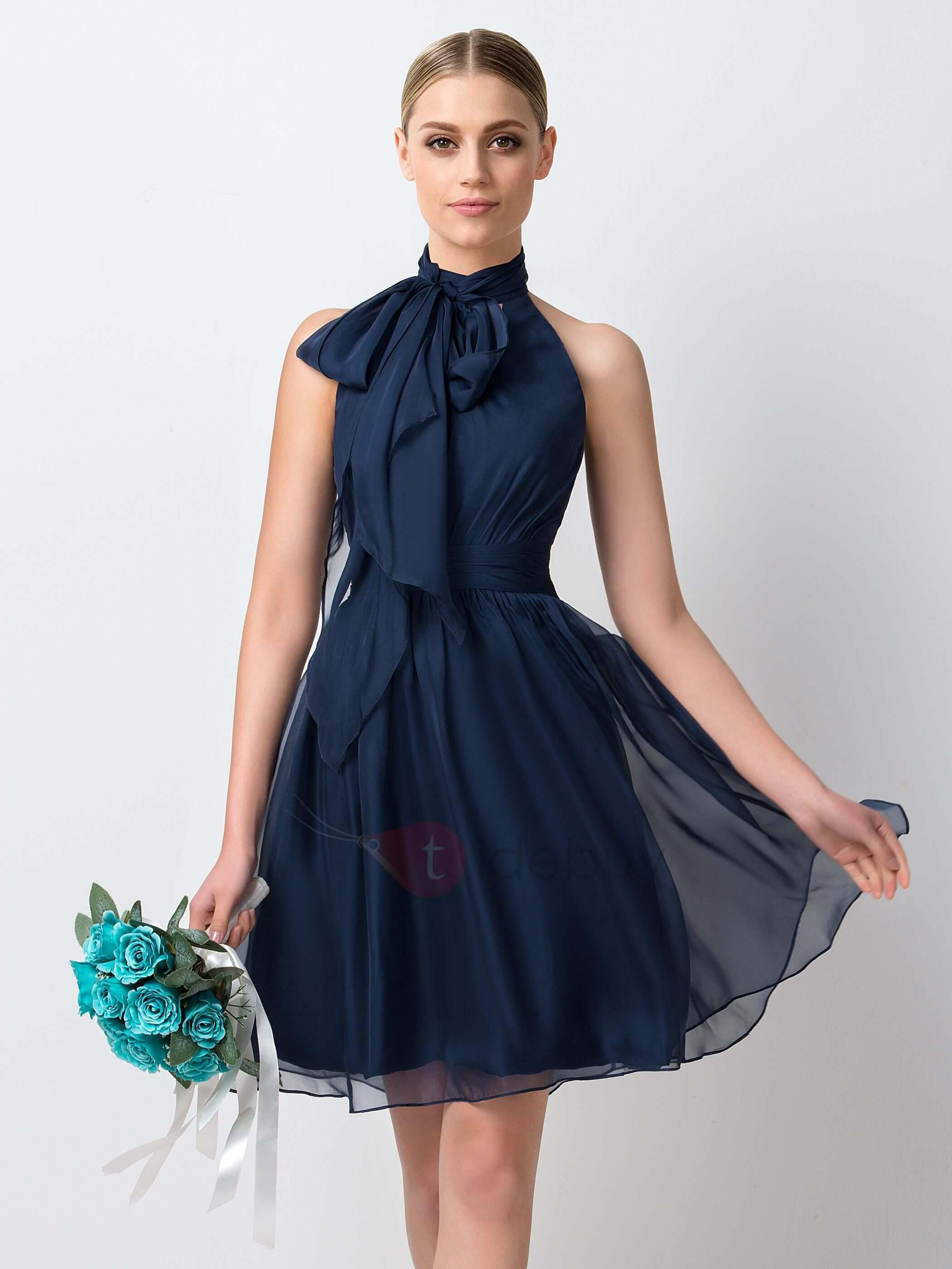 vestido corto azul para dama de honor