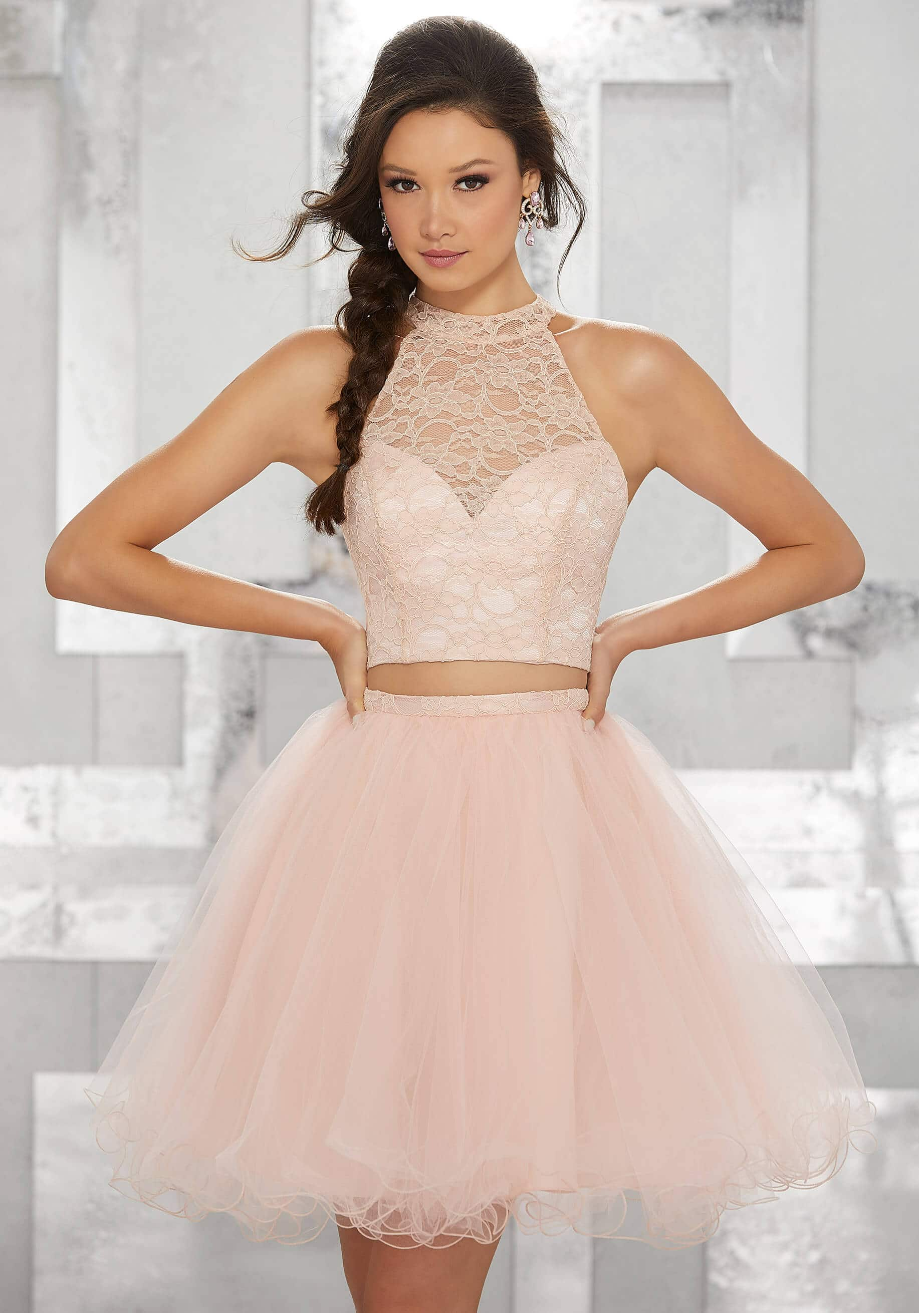 vestido de 15 corto color rosa con tul