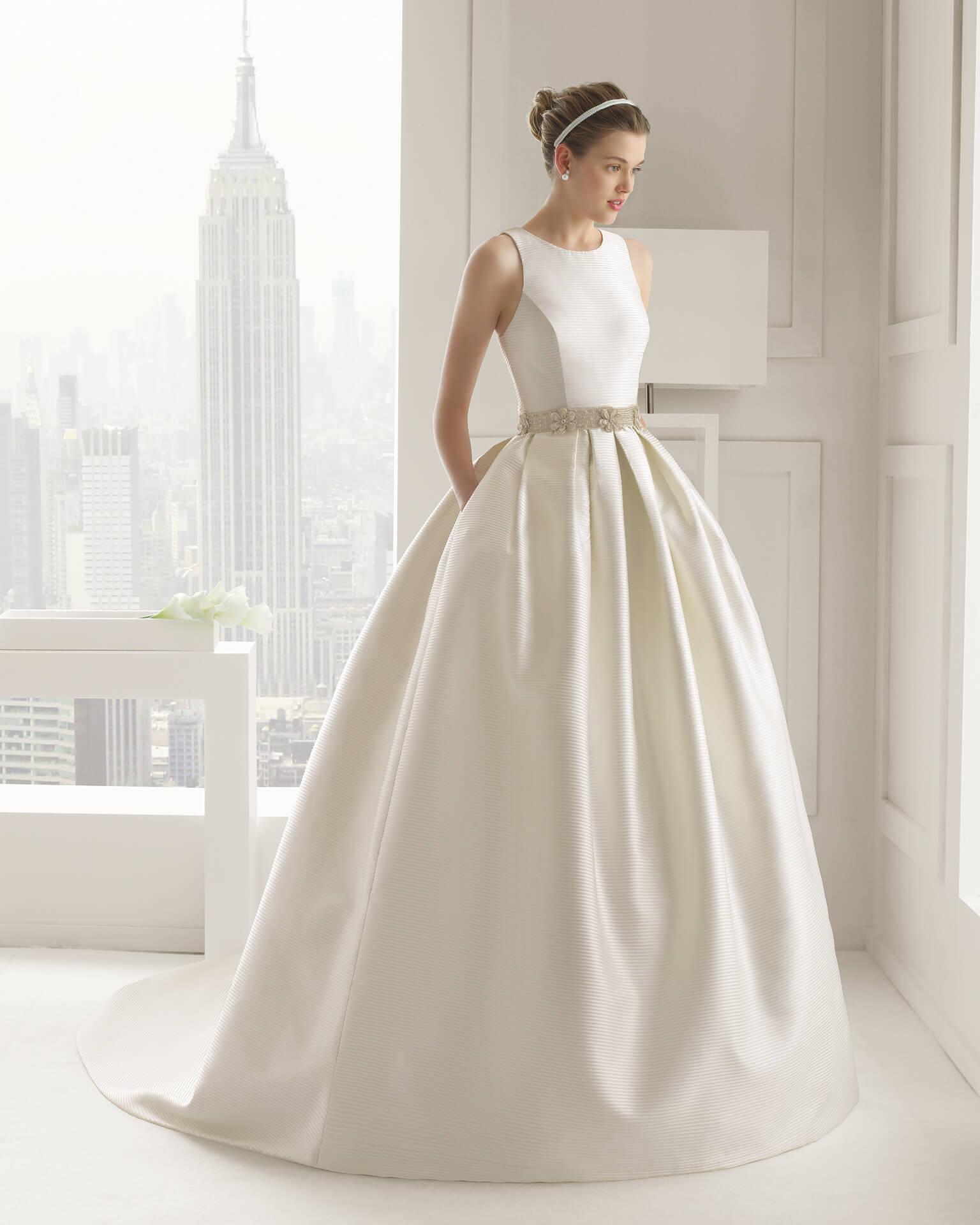 vestido de novia clasico corte campana