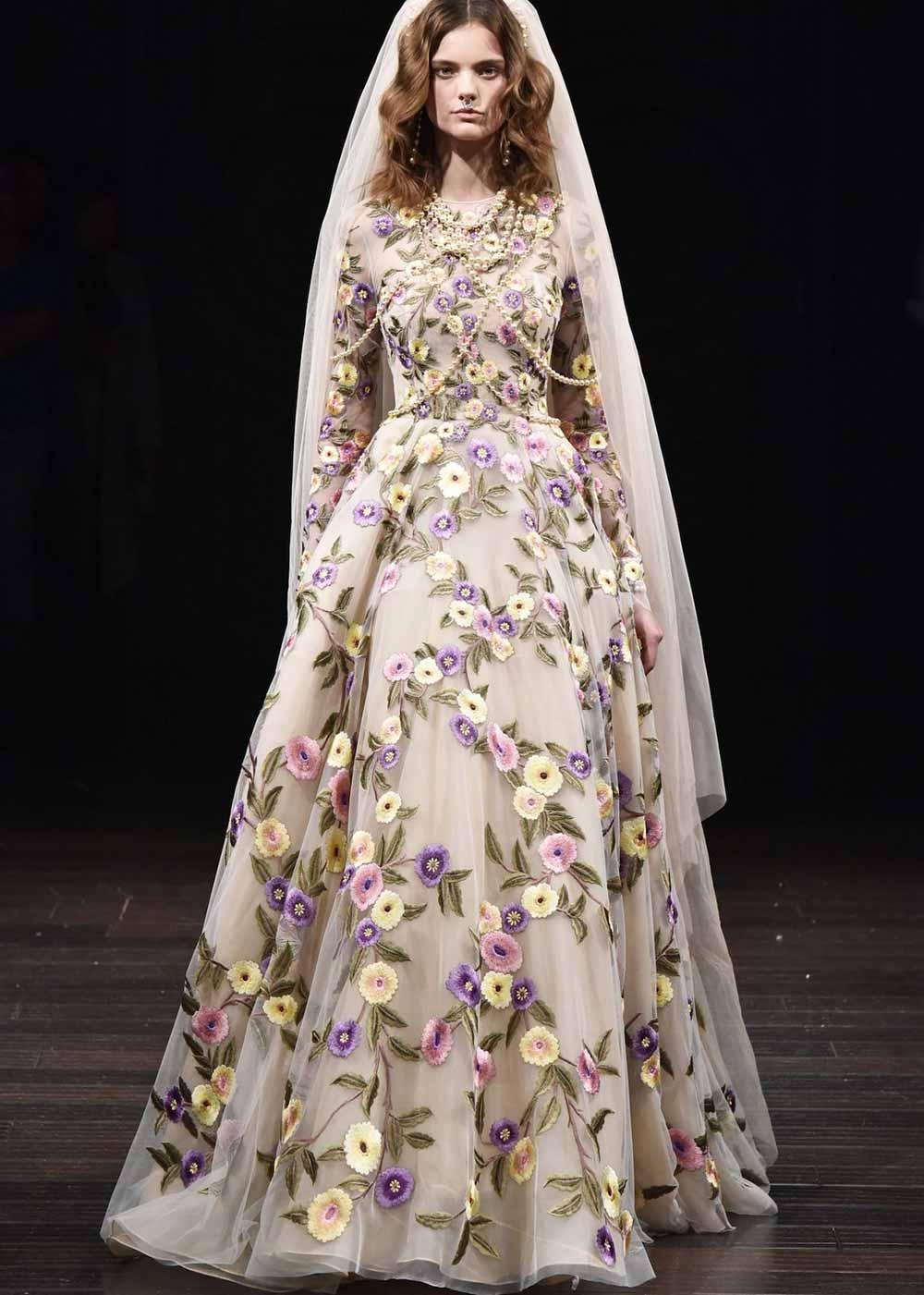 vestido de novia con flores 2018