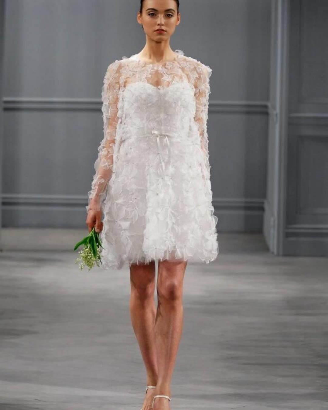 vestido de novia corto moderno con transparencias