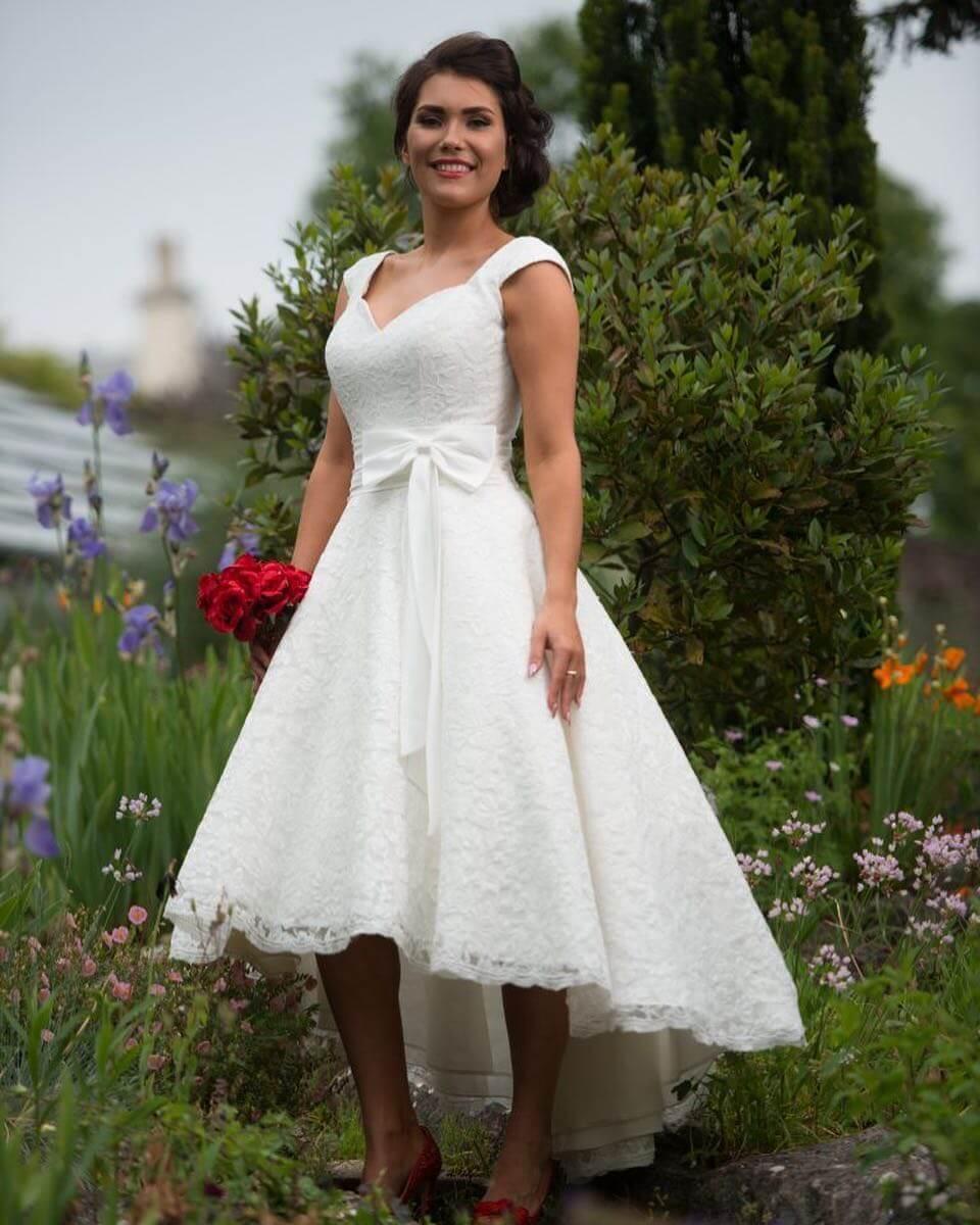 vestido de novia corto sencillo y tradicional