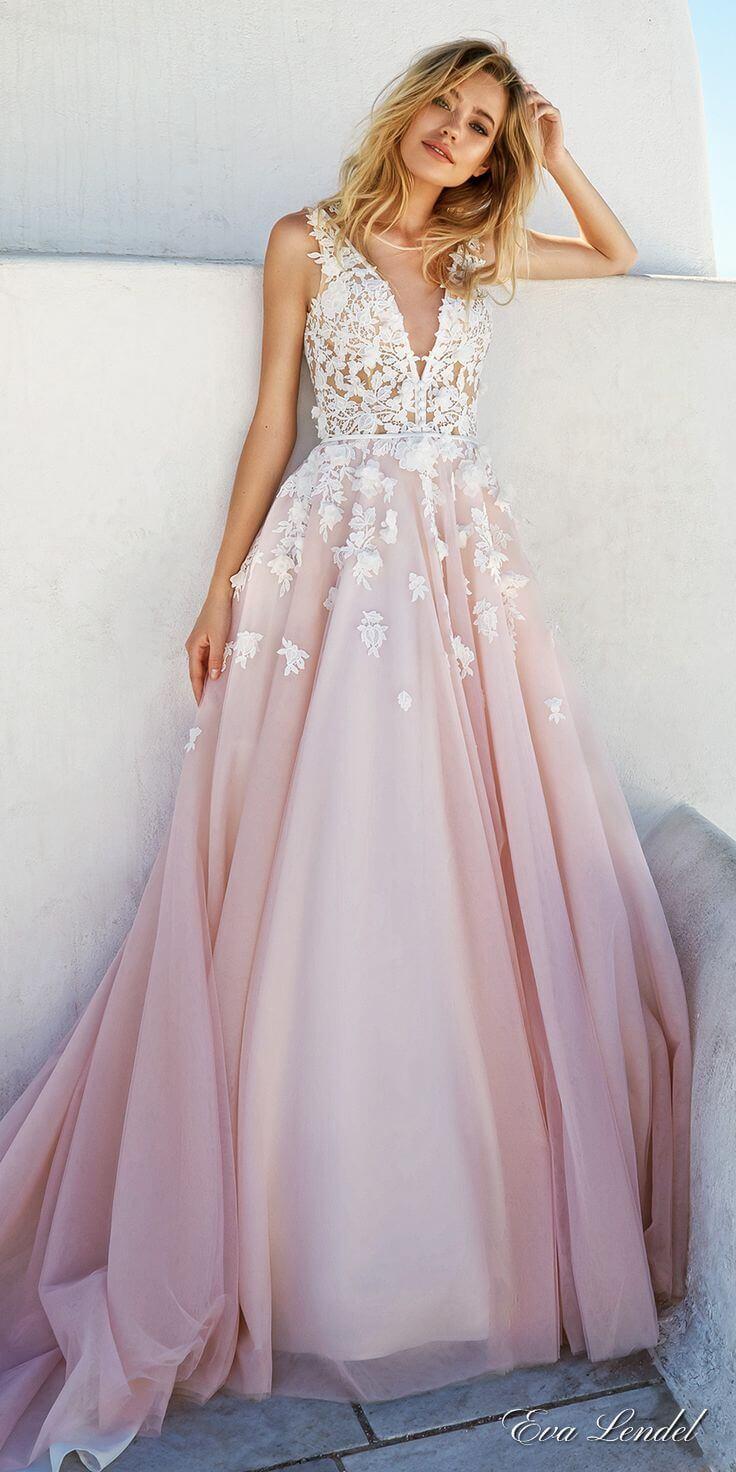 vestido de novia en blanco y rosa