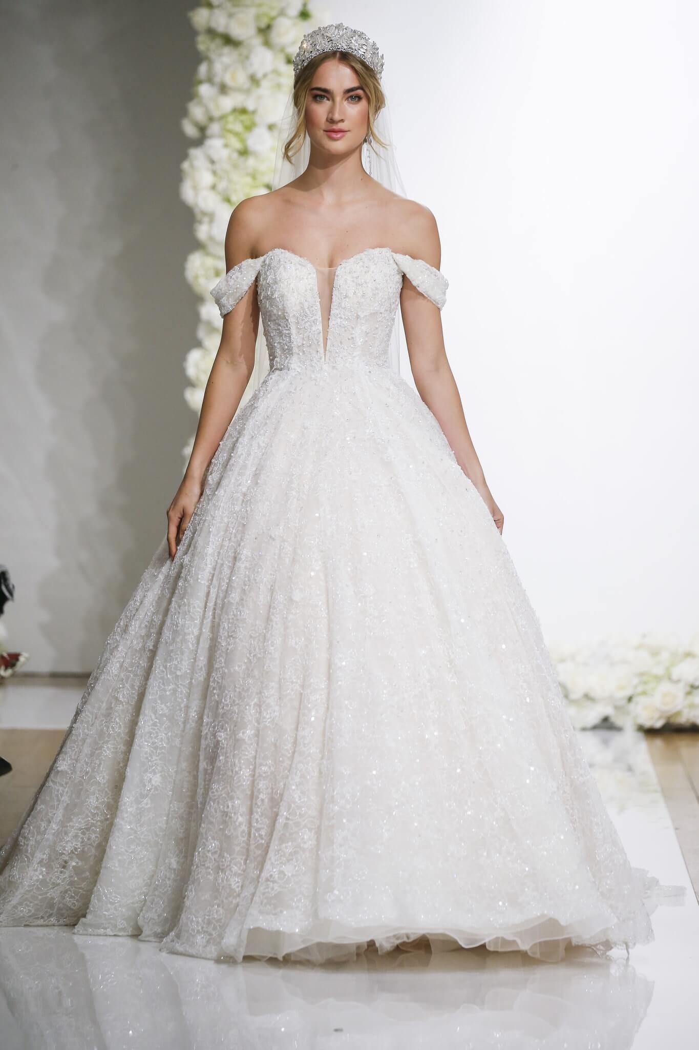 vestido de novia largo hombro descubierto