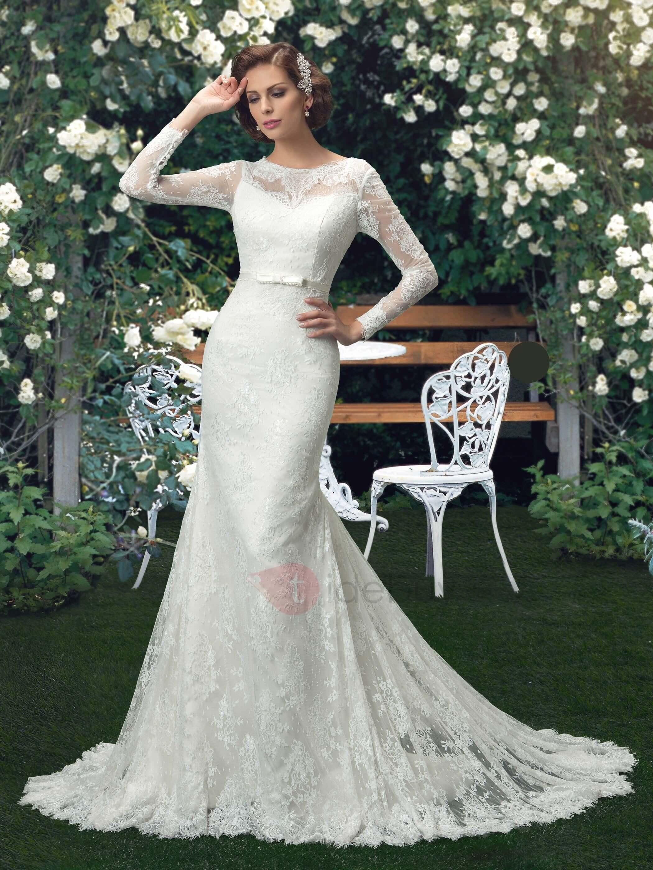 vestido de novia largo pegado al cuerpo con campana