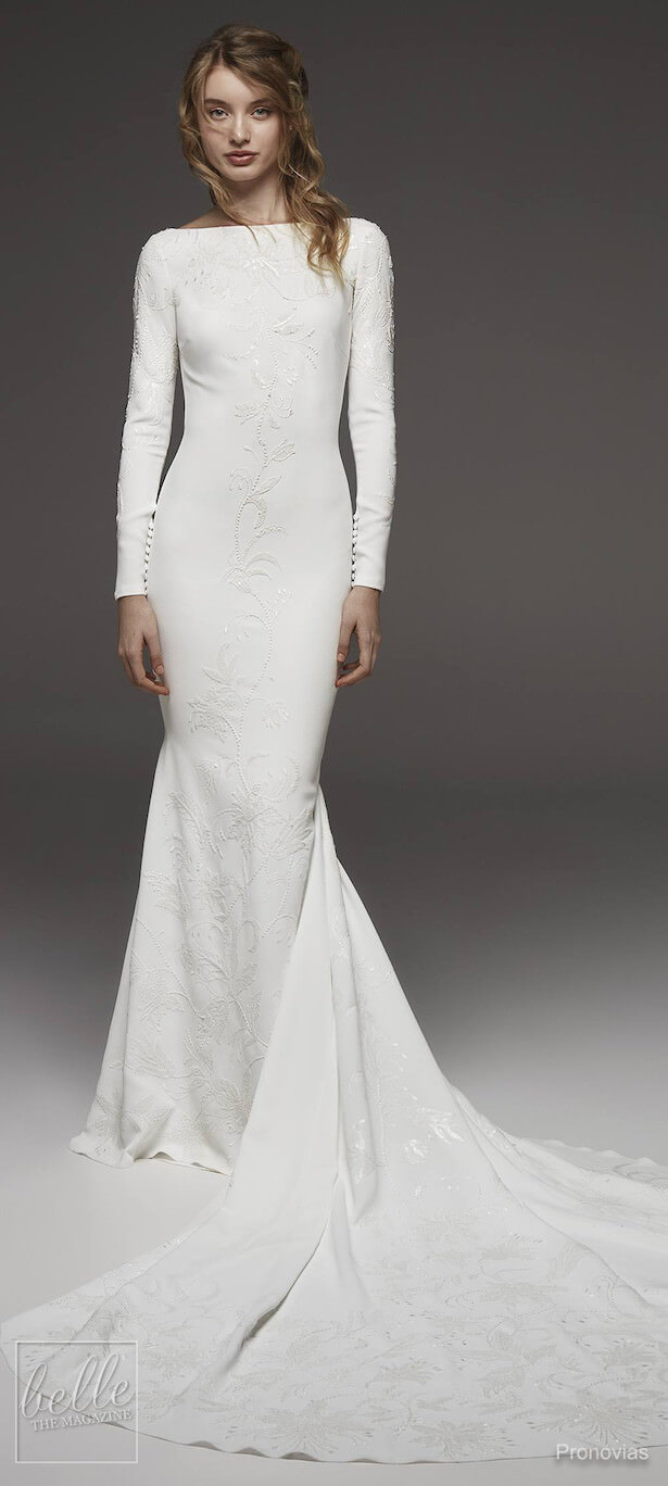 vestido de novia largo simple pegado al cuerpo mangas largas