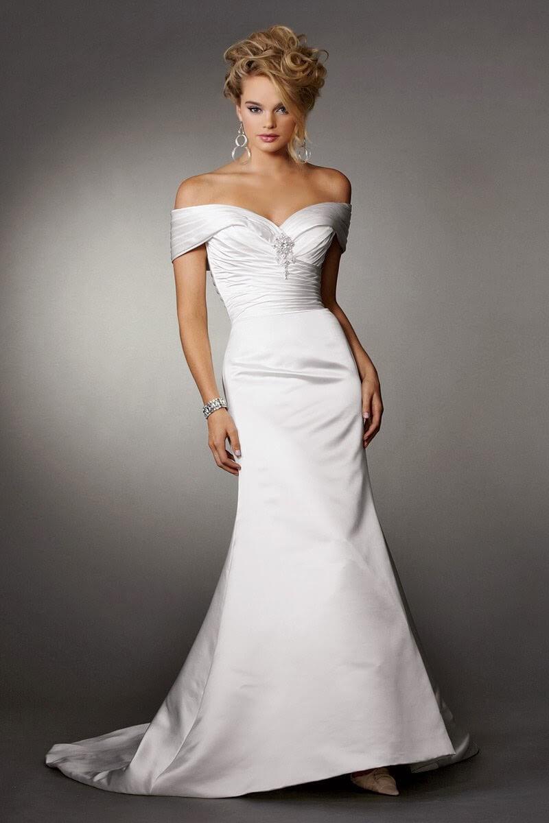vestido de novia largo simple pegado al cuerpo