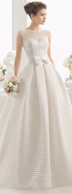 vestido de novia moderno con moño