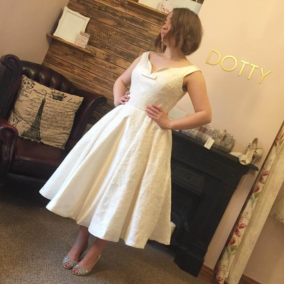 vestido de novia simple para gorditas bajitas