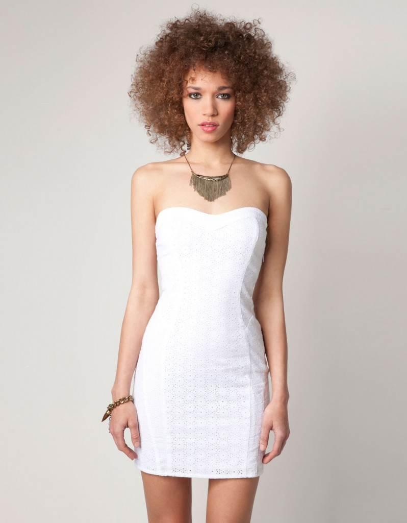 Vestidos pegados al cuerpo blanco