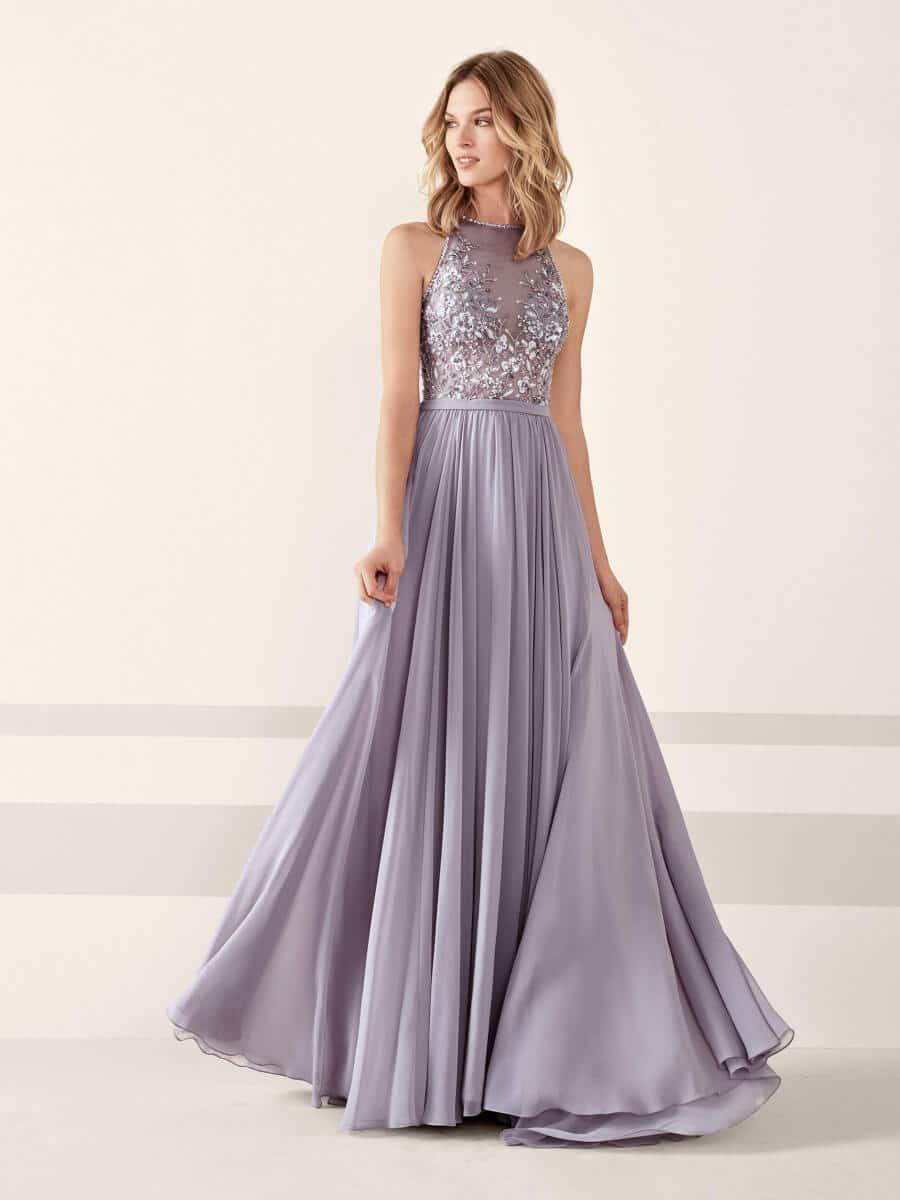 vestido de fiesta largo plateado con brillos